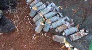 بقايا القنابل العنقودية بعد أن اضيف لها صاعق كهربائي، ولكنها لم تنفجر