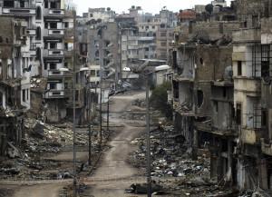 لم يفعل المجتمع الدولي أي شيء يذكر لوقف جرائم الحرب التي تمّ ممارستها في مدينة حمص على مدار ثلاث سنوات-الصورة من حي الخالدية 2012-رويترز