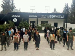 أكثر من 800 طفل حسب تقديرات اللجنة تم تجنيدهم في ميليشيات داعش العسكرية في سورية