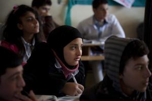 تعرّض  الحق في التعليم إلى انتهاكات ممنهجة ومستمرة منذ بداية الاحتجاجات الشعبية ضد النظام السوري في آذار/مارس 2011