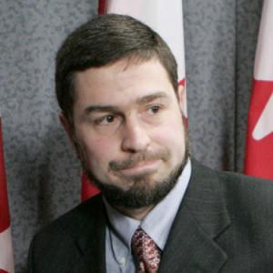 استمرت الأجهزة الأمنية الغربية في التعاون مع الأجهزة الأمنية السورية على أعلى المستويات، دون الاكتراث بسجلها في مجال حقوق الإنسان ماهر عرار-مهندس كندي قامت الولايات المتحدة بتسليمه لسورية عام 2002 رغم علمها بأنه سيتعرض للتعذيب
