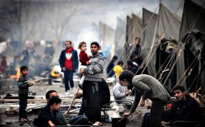 أدّت الجرائم والانتهاكات المتواصلة التي تجري في سورية منذ عام 2011 إلى أزمة اللجوء الحالية، والتي أصبحت أكبر أزمة إنسانية منذ عام 2014