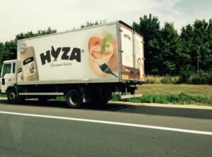 الشاحنة التي كانت تُقلّ اللاجئين