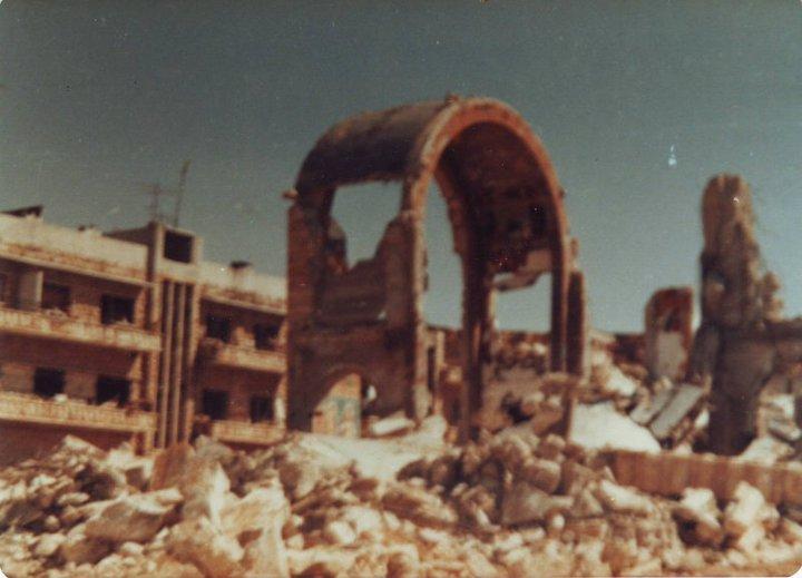 وثّقت عشرات الكتب والدراسات التي أعدّها أشخاص معروف بحياديتهم، وفي بعض الأحيان بتعاطفهم مع نظام الأسد العديد من المجازر، مثل مجزرة سجن تدمر ومجزرة حماة