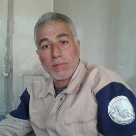 أدى القصف إلى إصابة عامر عليطو أحد عناصر الدفاع المدني في تل رفعت