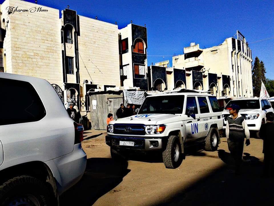 زار الحي اليوم الجمعة وفد من الأمم المتحدة والهلال الأحمر