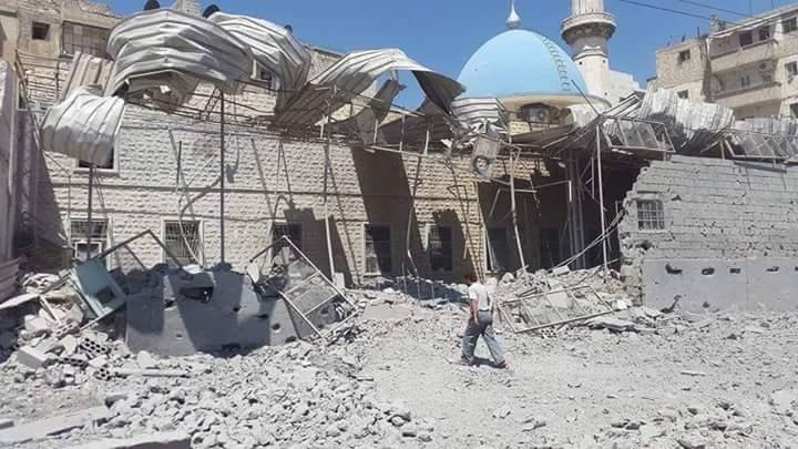 أدى القصف إلى إلحاق دمار كبير في مسجد أويس القرني