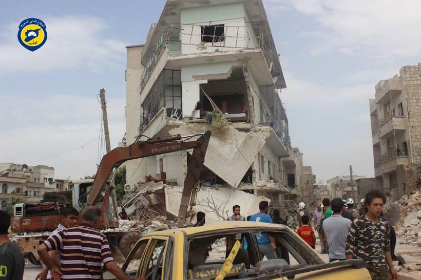 استهدف القصف دوار معرة مصرين في مدينة إدلب