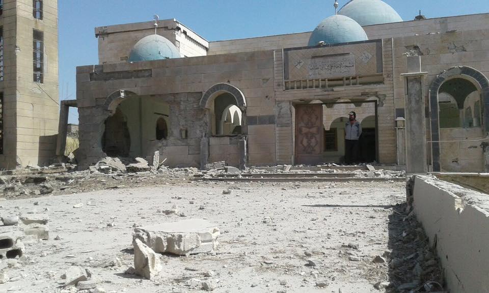 أدّى القصف إلى إلحاق إضرار كبيرة بمسجد علي بن أبي طالب