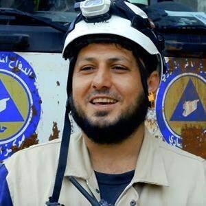 قتل خالد حرح بعد استهدافه أثناء قيامه بانتشال المصابين في حي الراموسة في حلب