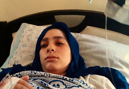 فقدت السيدة نسرين الشماع البصر بعد إصابتها المتقدمة بالمرض