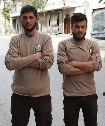 أدّى القصف على حي الصالحين إلى مقتل عنصر الدفاع المدني حسن حنان وسائق سيارة الإسعاف إحسان دالاتي