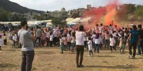 تم اعتقال النشطاء في فريق ملهم على خلفية حفل للأطفال في مخيم للنازحين في ريف اللاذقية