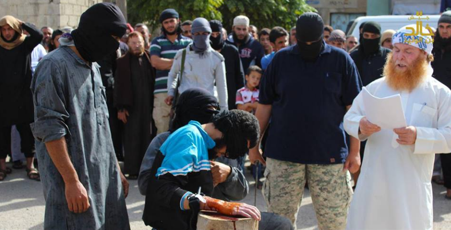 الصورة من إعدامات ميدانية سابقة لجيش خالد بن الوليد في درعا