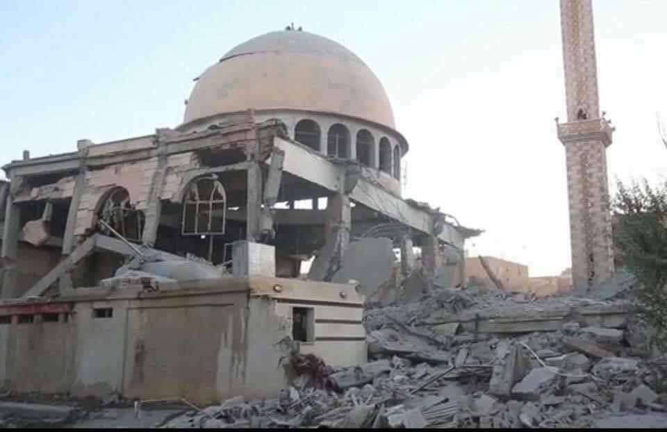 أدى قصف التحالف الدولي إلى إلحاق أضرار مادية كبيرة بمسجد النور في الرقة
