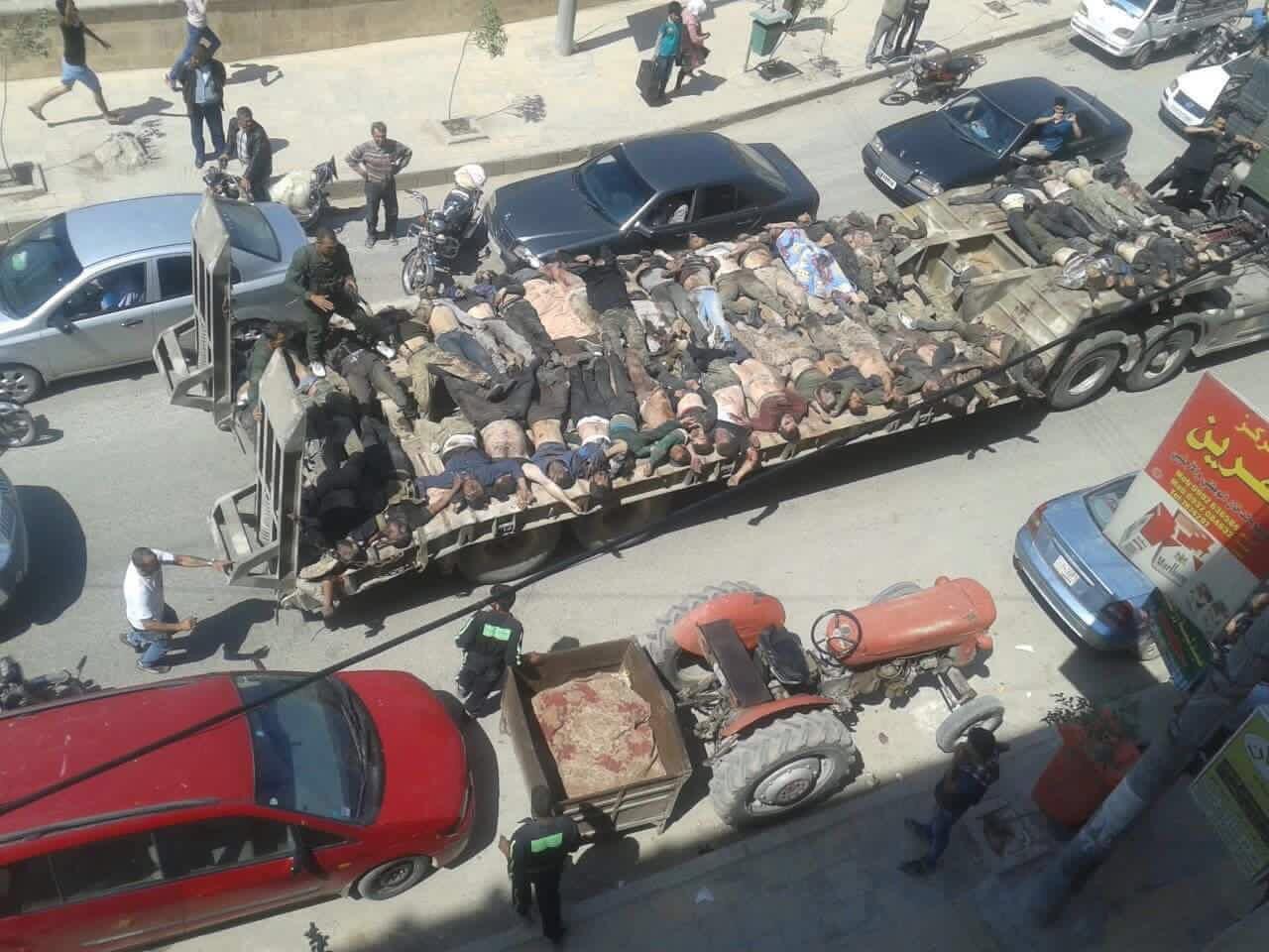 قامت قوات سورية الديموقراطية في 29/4/2016 باستعراض جثث القتلى في شوارع عفرين بشكل احتفالي